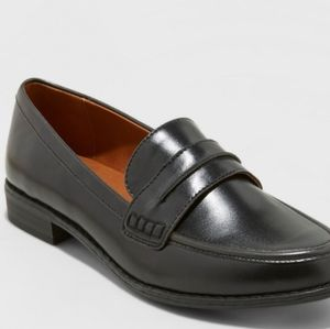 Universal Threads Quinn Loafers